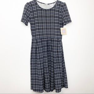Lularoe Amelia M Houndstooth Print Dress